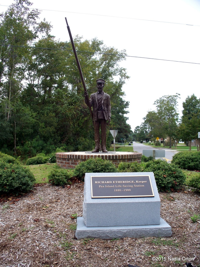 Statue of Richard Etheridge, 36 USCT, Pea Island Life Saver, Manteo, NC